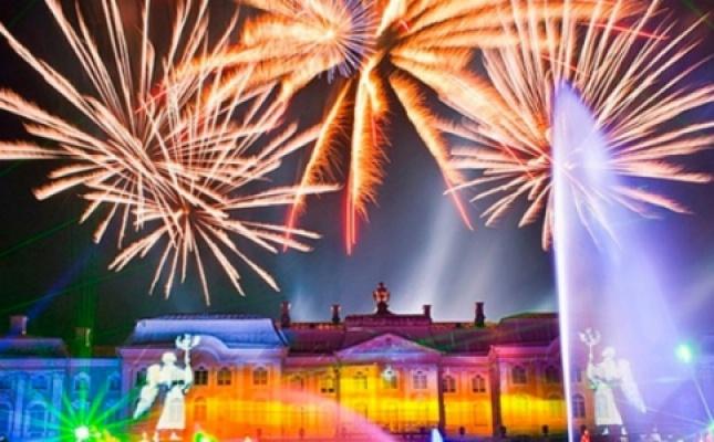 Санкт-Петербург: Праздник фонтанов